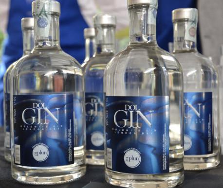 In queste bottiglie è racchiusa una eccellenza italiana, un Gin incontaminato
